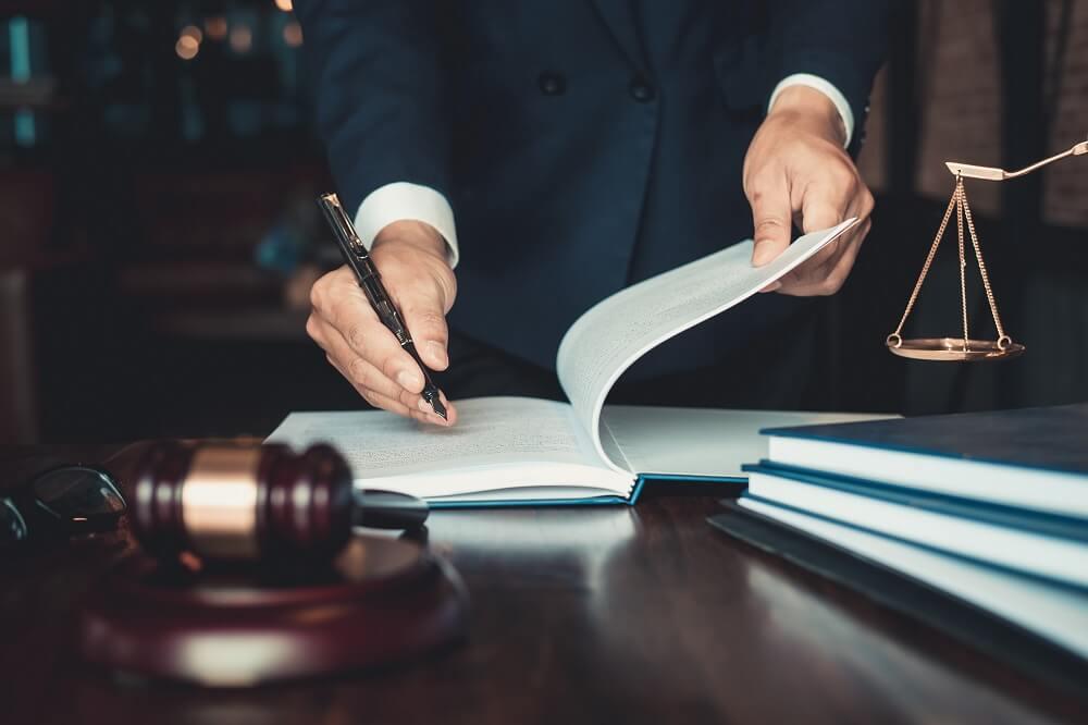 Porady prawne tradycyjne i online
